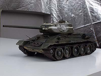 Т-34/85 от TAMIYA с колпаками на катках от ...
